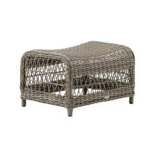 Dawn-Foot-Stool-Antique-Exterior-Fabiia
